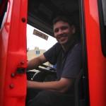 Der motivierte Fahrer macht den Funkdienst