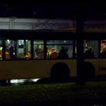 Verletzte werden im Bus betreut
