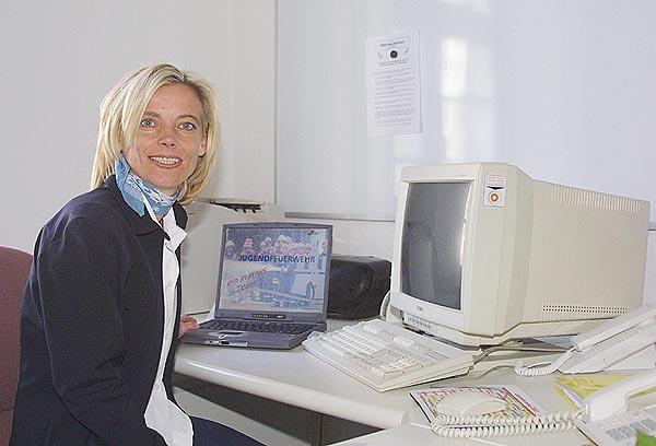 Bildungsreferentin Kathy Remek an ihrem neuen Arbeitsplatz. <br>Foto: RTN TV-News