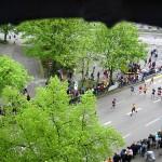 Zieleinlauf der Marathonläufer in die Karolinenstraße  ©opyright www.feuerwehr-hamburg.de