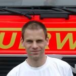 Wolfgang Ambrosius am Feuerwehrhaus in Horn