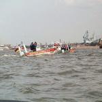 Zwei unserer Kleinboote in Aktion.  © Thomas Schwarz