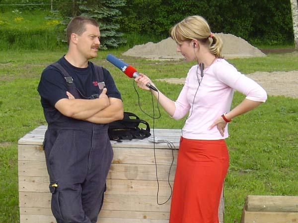 Wehrführer - Vertreter Torsten Altenburg (FF Neuengamme) im Interview mit Nicole Dieckmann von NDR 90.3