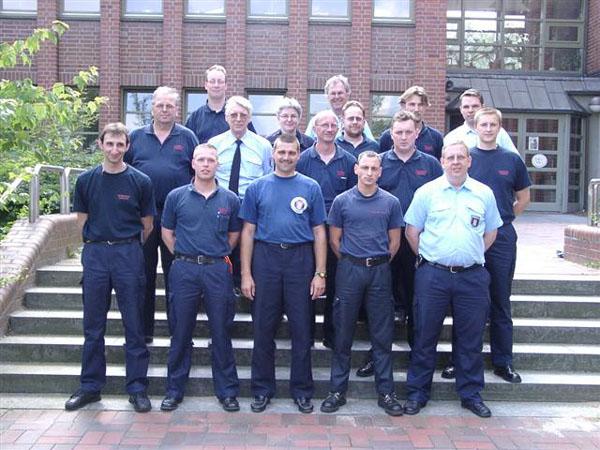 Die Sicherheitsbeauftragen beim Gruppenfoto. (Foto: Feuerwehr-Unfallkasse Hamburg)