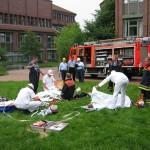 Versorgung der Verletzten an der Verletztensammelstelle<br>© FF Rönneburg