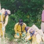 Dem Autor ist an mehreren Einsatzstellen aufgefallen, daß insbesondere Schaulustige im Gegensatz zu der unter Atemschutz arbeitenden Mannschaft immun gegen gefährliche Stoffe zu sein scheinen.