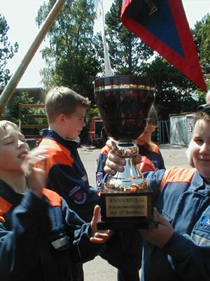 Mit viel Training kann der Pokal wieder nach Wellingsbüttel<br>© FF Wellingsbüttel