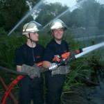 Kameraden der FF Bilstedt Horn beim Belüften eines Sees