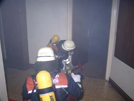 Die Tür wurde geöffnet und eine erste Lageeinschätzung wurde durchgeführt