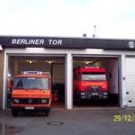 Das Feuerwehrhaus der FF Berliner Tor am Bergmannring in HH-Horn mit den Fahrzeugen