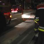 Im Schritttempo wurde die verunreinigte Fahrbahn abgestreut <BR>© FF Stellingen