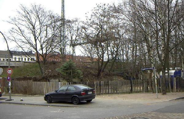 Der Bauplatz für die FF Altona; Ansicht von der gegenüberliegenden Ecke Lippmannstr./Eifflerstr.