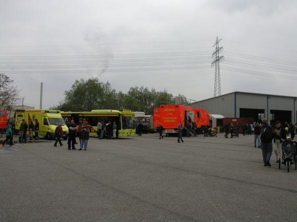 Von links nach rechts:<br> Infektions-Rettungswagen IRTW<br> Großraum-Rettungswagen GRTW<br> Mobile Atemschutzstrecke MOBAS<br> © Merlin Wolf