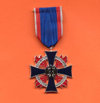 das Ehrenkreuz in Silber