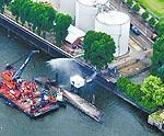 Ansicht der Einsatzstelle am DUPEG-Terminal im Petroleumhafen. (c) Hamburger Abendblatt