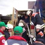 Rettung einer eingeklemmten Person aus LKW