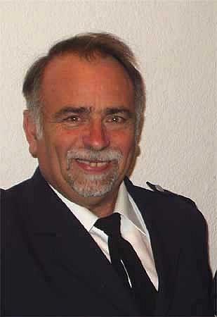 Neuer und alter Bereichsführer Bergedorf - Uwe Sturr<br>Foto: Plagens