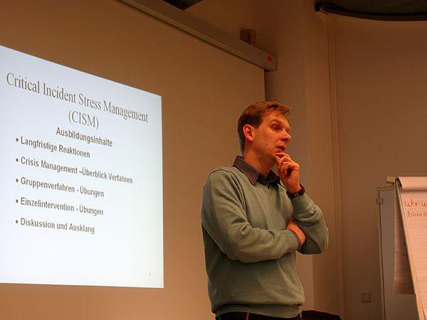 Dr. Jens T. Kowalski leitete die Veranstaltung.