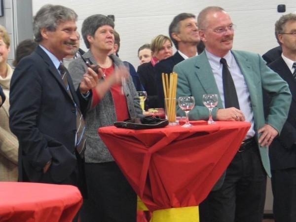 Innensenator Udo Nagel, Anke Jonas (Frau des Landesbereichsführers), ihr Gatte sowie Bezirksamtsleiter Eimsbütttel Dr. Jürgen Mantell, rechts angeschnitten Dr. Essert, Feuerkasse