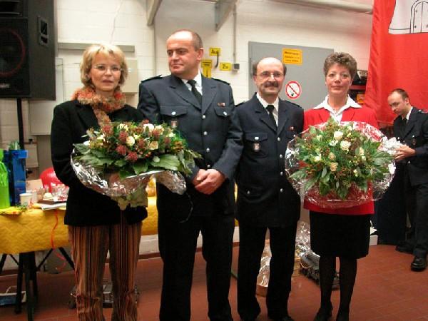 Die Jubilare Jean Gressmann (l.) und Claus Tiedemann (r.) mit ihren Ehefrauen