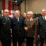 Wehrführer J. Gressmann; Branddirektor H.-J. Gressmann, BF Braunschweig; P. Lau, Kommandant der Feuerwehr Bregenz-Stadt; D. Frommer, Wehrführer-Vertreter der FF Schnelsen (v.l.n.r.)