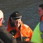 Begeisterter Gesichtsausdruck des Hamburger Boots-Gurus, Adolf Fick, nach erfolgreicher Testfahrt mit dem KIA210