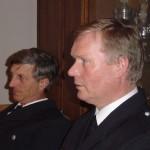 Im Gespräch mit den Vierländer Führungskräften: Landesbereichsführer Hermann Jonas (links) und Direktionsbereichsführer Vertreter Ost-Süd Werner Burmester.