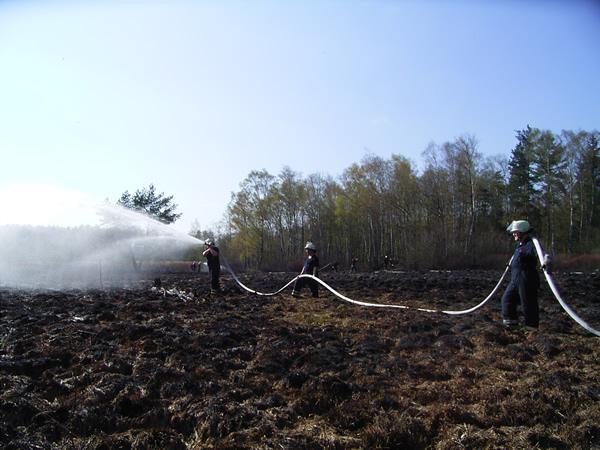 Sonntag, der 24. April 2005. Es brennen ca. 10.000 m² Wald im Stadtteil Langenhorn.