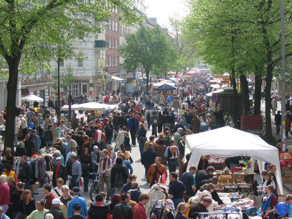 Über 400.000 Besucher drängten sich am Samstag und Sonntag über die Osterstraße<br>© FF Stellingen<br