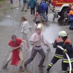 Nur mit den Kollegen von der Feuerwehr haben sie nicht gerechnet.  Foto: Schmidt