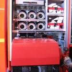 G1 mit TS 8/8, 6 A-Saugschläuchen, 2 Schlauchbrücken, dem Besenfach und einem zbV-Fach. Die TS wird in bequemer Entnahmehöhe ausgezogen.