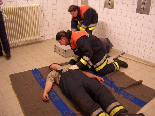 Zwischenprüfung: Versorgung einer bewusstlosen Person<br>Foto: Jahnke