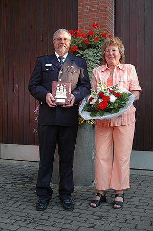 Hauptbrandmeister Peter Klampe mit Ehefrau Angelika