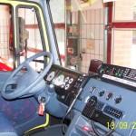Im Fahrerhaus befindet sich zwischen den Sitzen ein 2m-FuG 11b in einer Aktivhalterung
