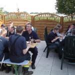 Gemeinsames Mittagessen zum Abschluss, selbstverständlich kommt nur alkoholfreies Bier auf den Tisch.