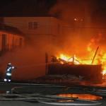 1.C zur Brandbekämpfung, mit dem 2.C wird ein Riegel zum Nachbargebäude gehalten (c) H. Lahmann