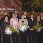 Gruppenbild mit Damen: 106 Jahre Engagement in der Freiwilligen Feuerwehr Curslack.