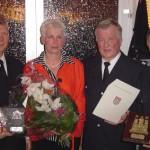 Freuen sich über das Jubiläum: Werner Burmester und Hermann Jonas mit Werner und Helga Meyer.