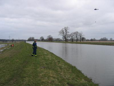 Die Jeetzel bei Dannenberg führt immer noch einen sehr hohen Wasserstand (Foto:B. Wendt)