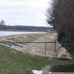 Sandsackverbau am Deich der Jeetzel (Foto: B.Wendt)