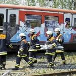 die Rettungskräfte treffen ein