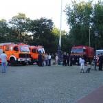 Fahrzeuge der FF Hamburg und des DLRG Bezirk Harburg.
