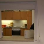 Die Durchreiche zur Küche; schmutzige Klamotten haben im Obergeschoss nichts verloren und bleiben immer im Spindraum im Erdgeschoss