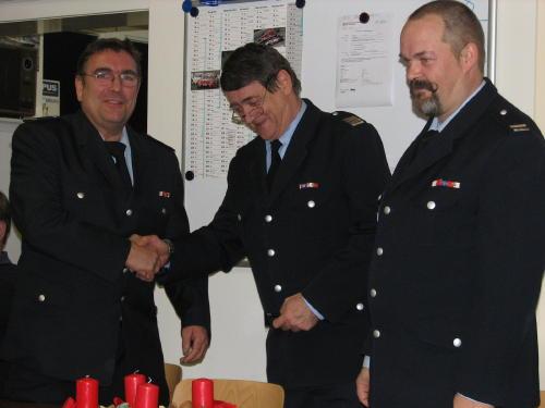 BerF Prehm (Mitte) bei der Gratulation an Jörg Knopf (links) nach dessen erfolgreicher Wahl. Rechts im Bild WF Stefan Schröder.