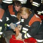 Wiederbelebung einer geretteten Person nach Atemstillstand