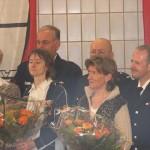 Die drei Jubilare mit ihren Ehefrauen; jede erhielt einen Blumenstrauß aus der Hand des LBF