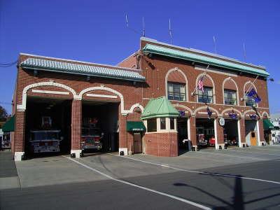 Das Hauptquatier der Feuerwehr Mineola im us-amerikanischen Bundesstaat New York<br>© FF Stellingen<br