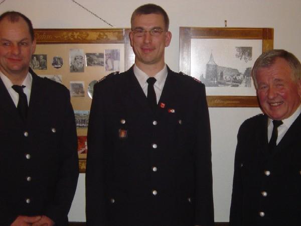 Zufriedene Gesichter. Frank Meyer mit WF Werner Meyer (rechts) und WFV Thomas Hitscher (links).