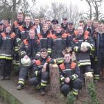 Well done! Die Teilnehmer der Sägeausbildung im Bereich Vierlande 2007.