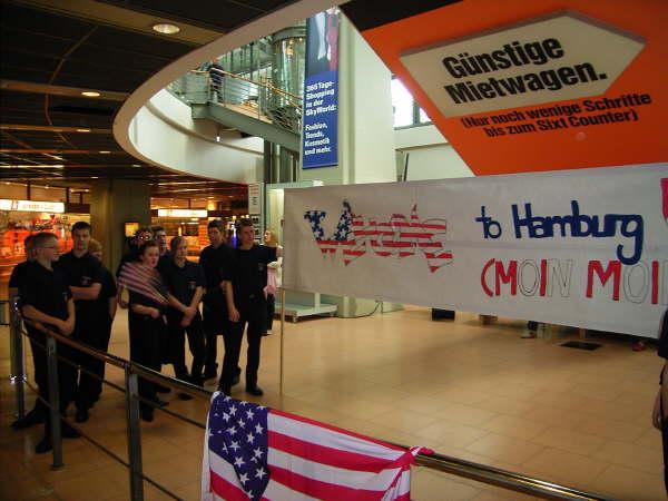 Empfangskomitee am Hamburger Flughafen<br>© FF Stellingen<br